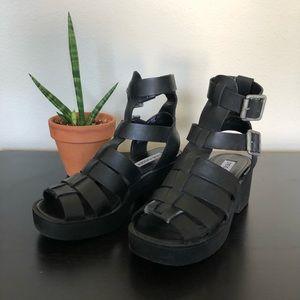 Leather platform buckle sandal